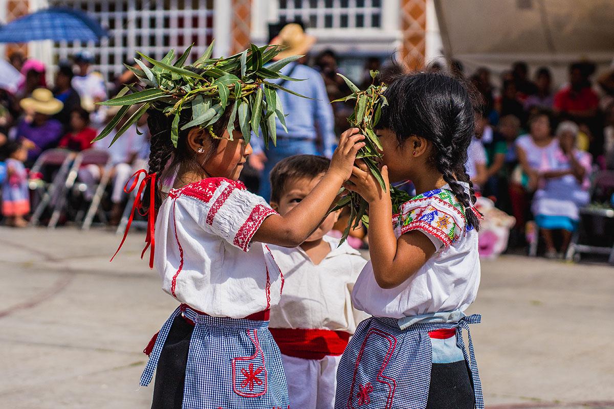 Hijos de Tlaxcalancingo reciben con alegría la estafeta de identidad y cultura